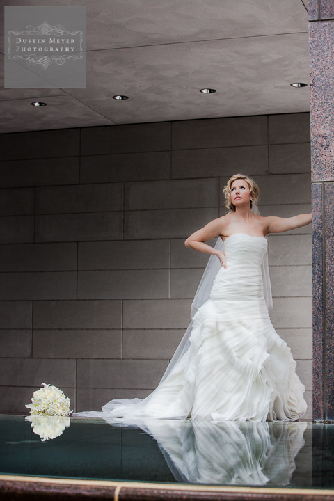 houston bridal photography portrait pool museum dramatic pose
