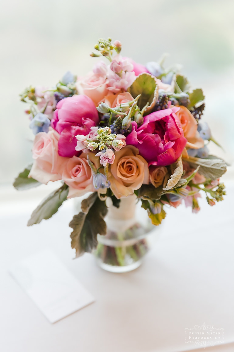 wedding bridal flowers bouquet