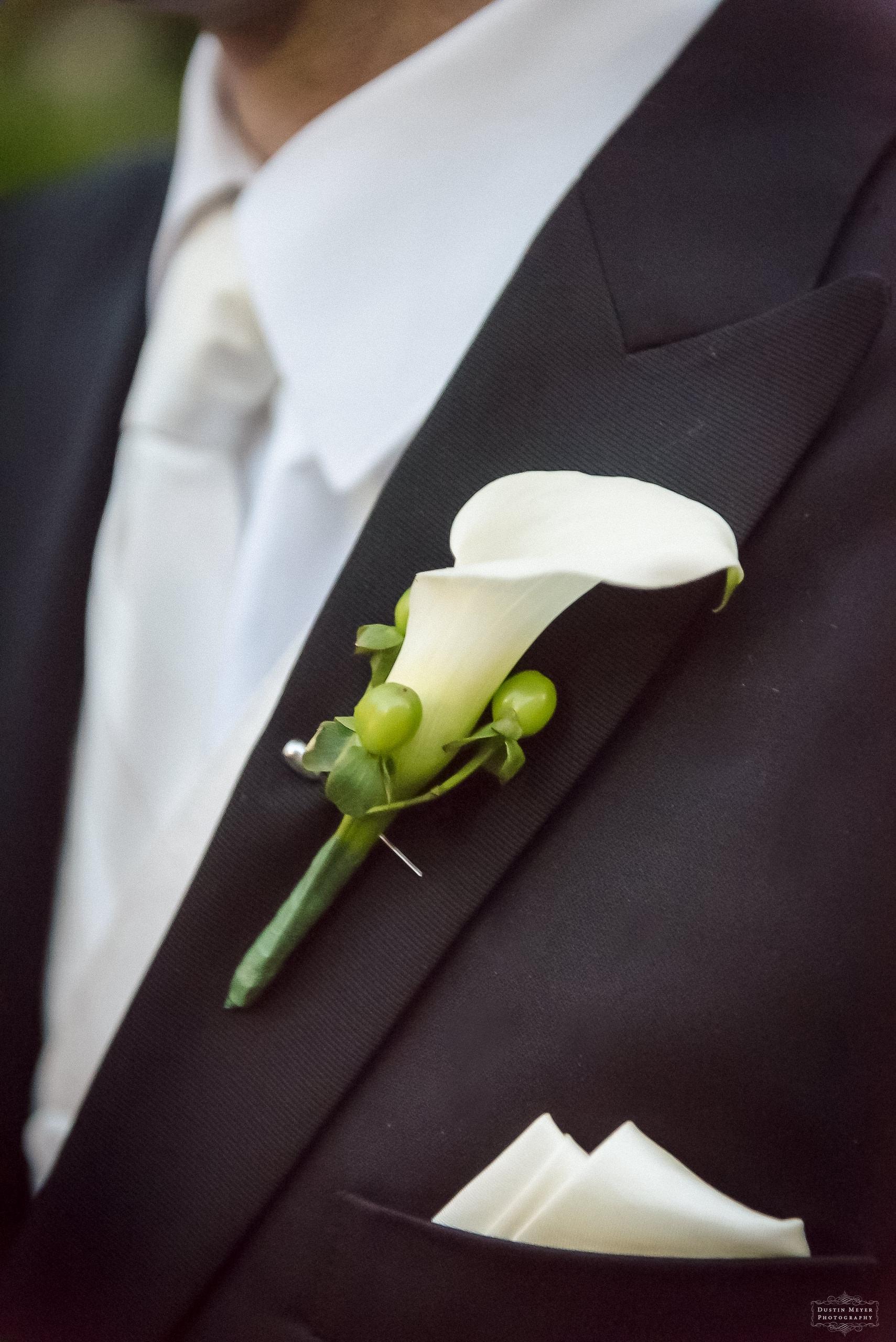 calla lily groom boutonniere