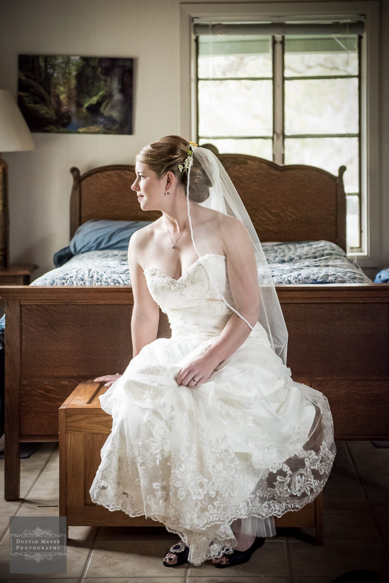 bridal gown austin wedding photographers photography hill country wedding